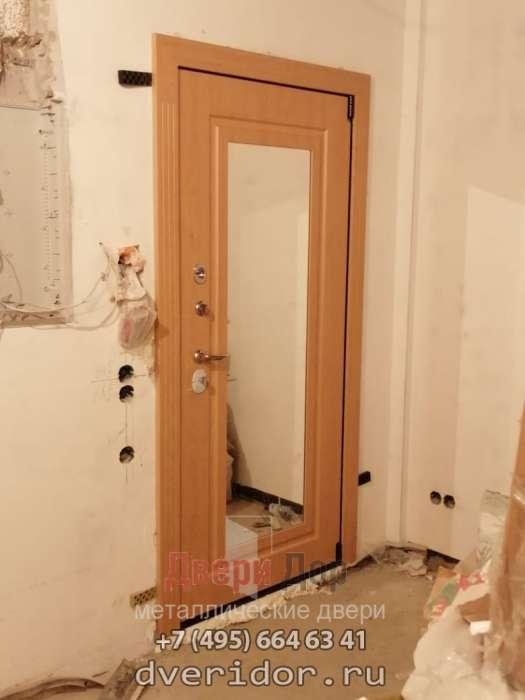 Фото двери Гермес внутреннего открывания с зеркалом